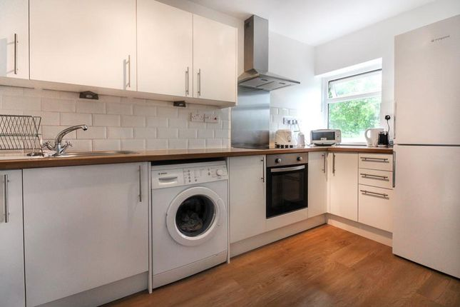 Thumbnail Flat for sale in Waterloo Close, Cardiff