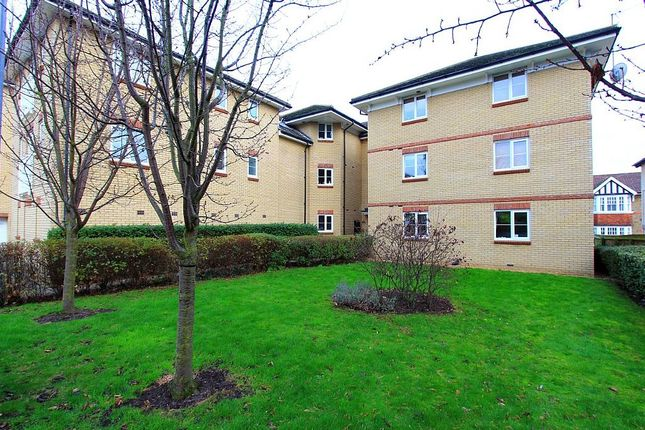 Thumbnail Flat for sale in Alveston Square, South Woodford, Essex