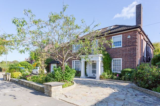 Thumbnail Detached house for sale in Holne Chase, London