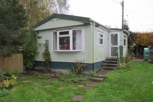 Thumbnail Mobile/park home for sale in 40 Beech Road, Shillingford Hill Park (Ref 5755), Wallingford, Oxfordshire