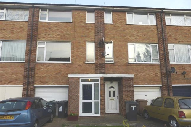 3 bed terraced house for sale in Tenby Drive, Luton