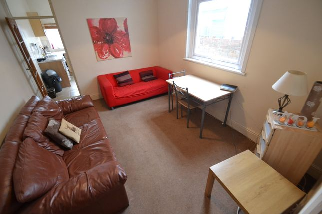 Thumbnail Property to rent in Summerfield Avenue, Heath, Cardiff