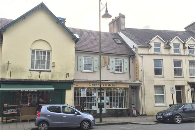 Thumbnail Flat to rent in High Street, Lampeter