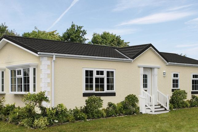 Thumbnail Mobile/park home for sale in The Paddock, Cranbourne Hall, Winkfield, Windsor