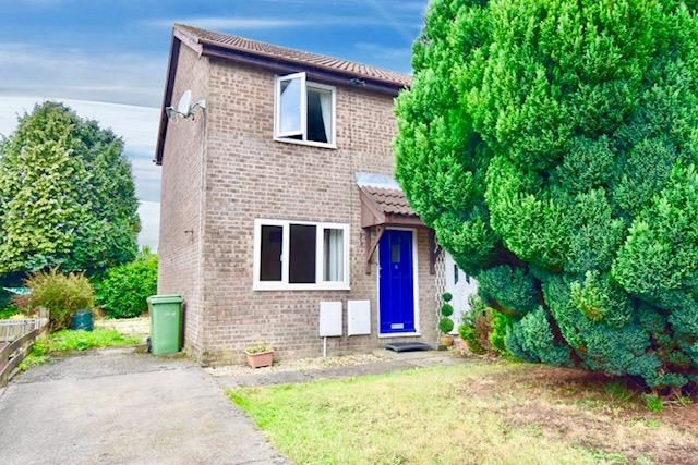 Thumbnail Property to rent in Chepstow Close, Grove Park, Blackwood