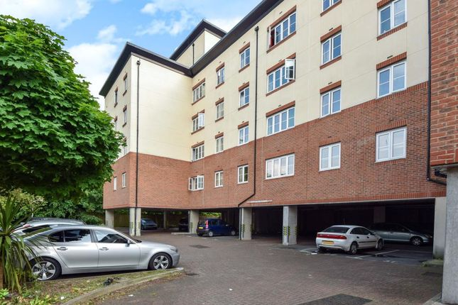 Thumbnail Flat to rent in Centrika, Bath Road