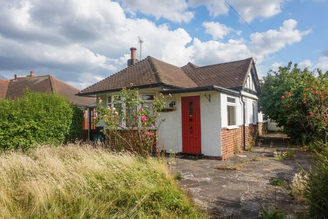 3 bed bungalow for sale in Woodmere Avenue, Croydon