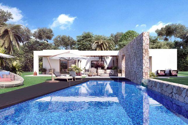 4 bed villa for sale in Portimão, Alvor, Portugal