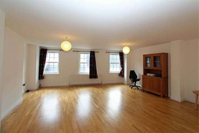 Thumbnail Terraced house to rent in 3 New Place, Lower Vauvert, St Peter Port
