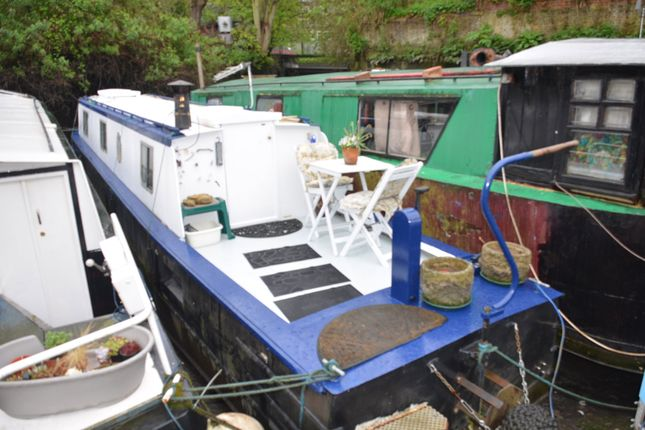 Thumbnail Houseboat for sale in Radleys Town Wharf, Catherine Wheel Road, Brentford, Middlesex