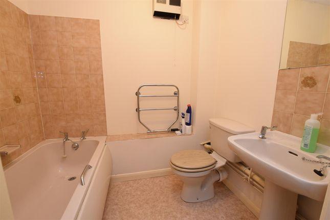 Bathroom of Ashton Court, High Road, Chadwell Heath, Romford RM6