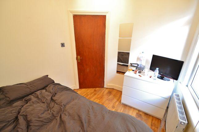 Thumbnail Room to rent in East Barnet Road, East Barnet
