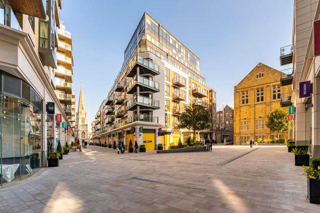2 bed flat for sale in Longfield Avenue, London W5