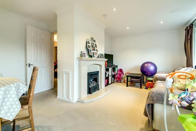 Thumbnail Terraced house to rent in Stratfield Road, Borehamwood