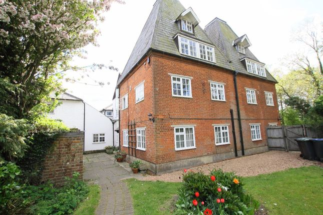 3 bed flat for sale in Littlebourne Road, Canterbury