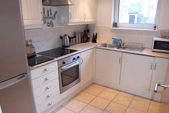 2 bed flat to rent in Waterside, Lancaster Quay