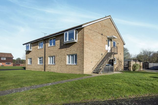 2 bed flat to rent in Redwald Road, Rendlesham, Woodbridge