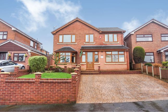 Thumbnail Detached house for sale in Newbury Grove, Heywood