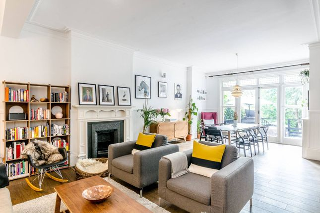 Thumbnail Flat for sale in Frognal Lane, Hampstead