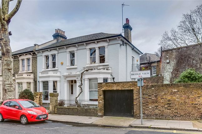 Thumbnail Semi-detached house to rent in Bridge View, Hammersmith, London