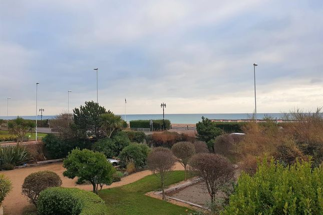 Detached house to rent in Worthing Seafront, West Sussex