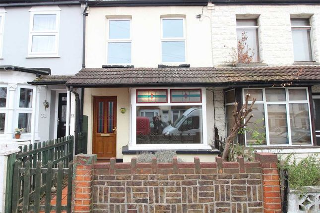 Thumbnail Terraced house to rent in Leighville Grove, Leigh-On-Sea