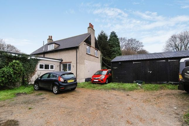 Thumbnail Detached house for sale in Daltons Road, Chelsfield, Orpington
