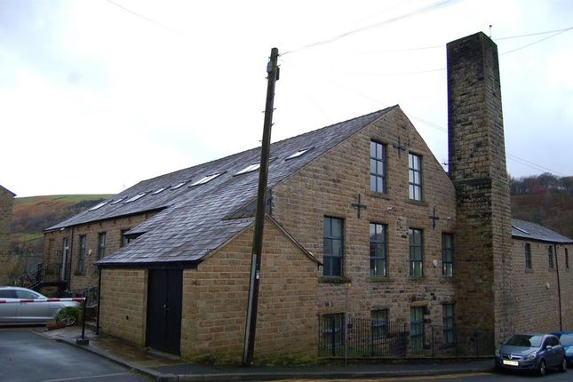 Thumbnail Flat for sale in Spring Street, Uppermill, Oldham