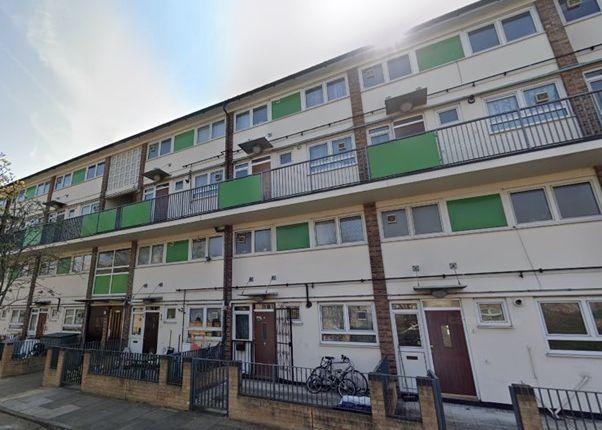 Thumbnail Maisonette to rent in Kilbrennan House, Findhorn Street, London