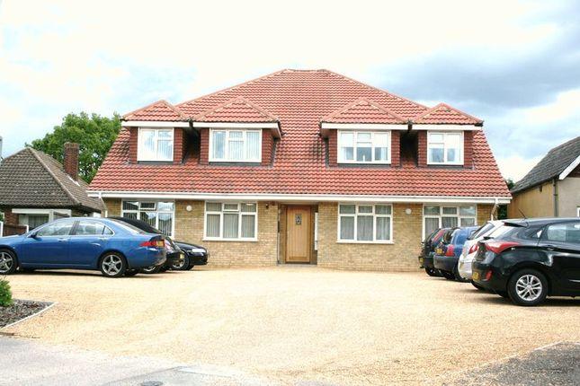 Thumbnail Flat to rent in High Road North, Laindon, Basildon