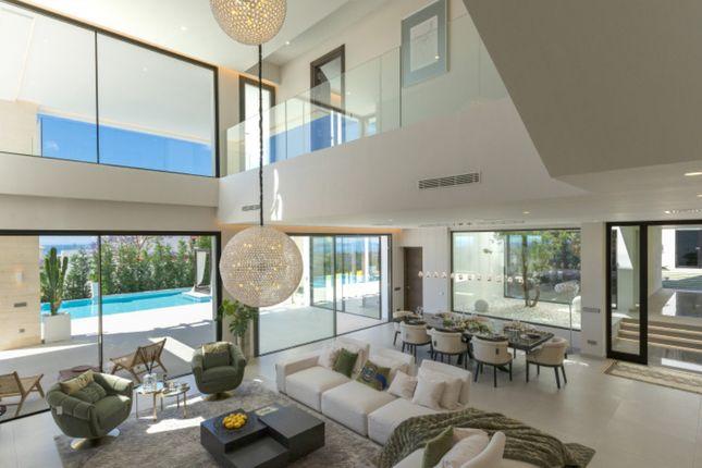 Property for sale in 16. El Lago De Los Flamingos, 29679 Benahavís, Málaga, Spain