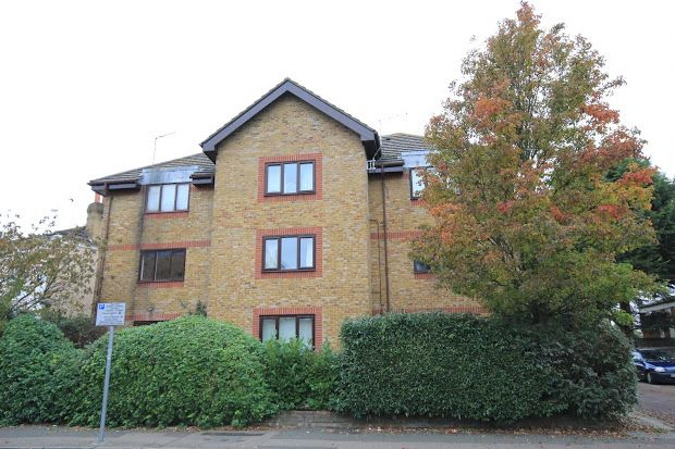 Studio to rent in Acre Road, Kingston Upon Thames