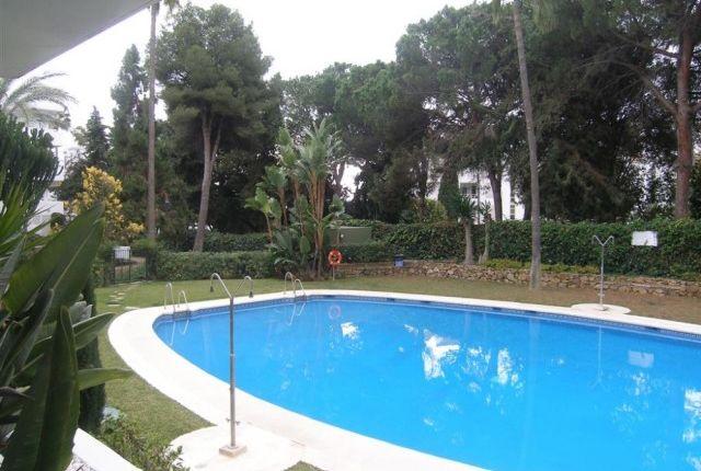 A3939_7_1 Pool of Spain, Málaga, Marbella, Río Real