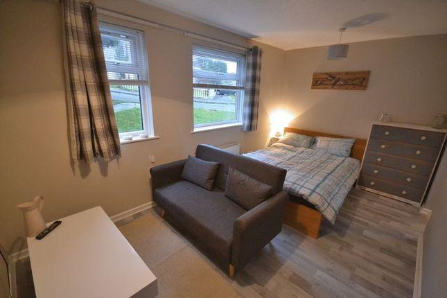 Thumbnail Flat for sale in Bronwydd, Birchgrove, Swansea