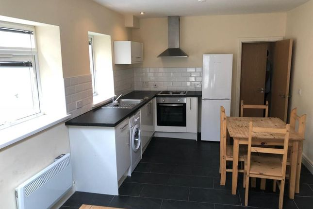 2 bed maisonette to rent in City Road, Roath, Cardiff