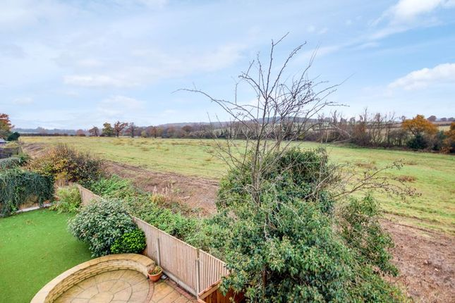 Photo 3 of Trentwood Side, Enfield EN2