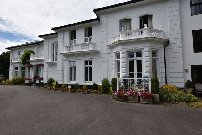 Thumbnail Flat for sale in 27 Riverdale, Thamesfield Village, Henley-On-Thames, Oxfordshire