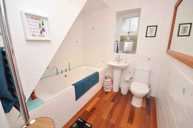 Bathroom of Low Green, Rawdon, Leeds LS19