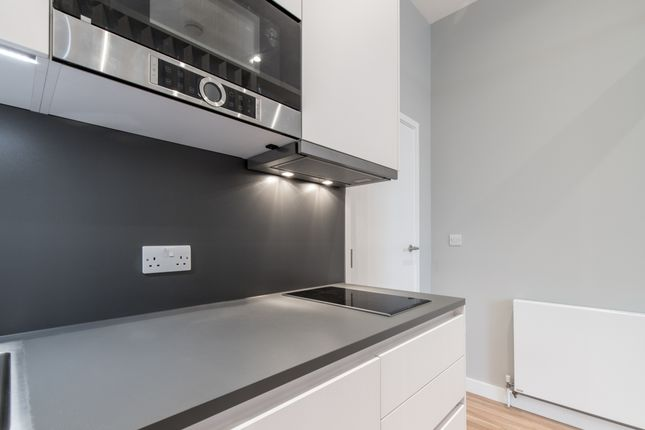 Studio to rent in Russell Road, London N13