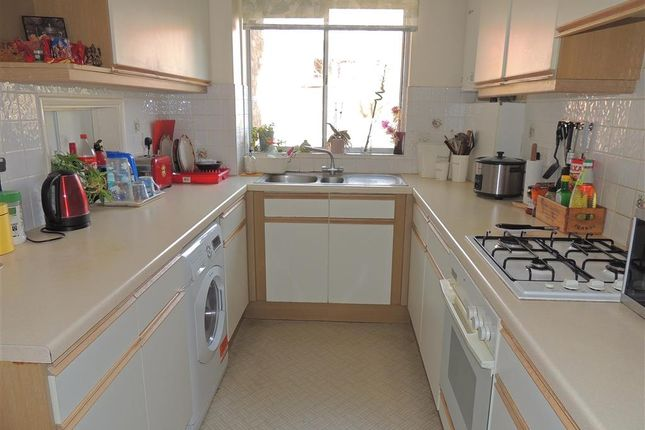 Thumbnail Flat for sale in White Lodge Close, Sutton, Surrey