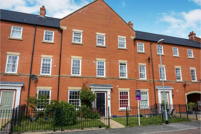 Thumbnail Town house for sale in Carpenters Close, Wragby