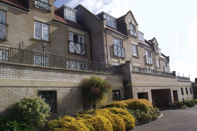 Thumbnail Flat to rent in Buxton Road, Weymouth