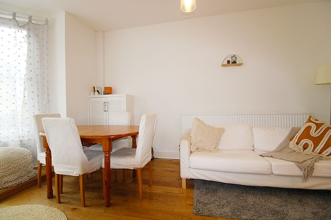 Thumbnail Flat to rent in Archway Road, Highgate, London