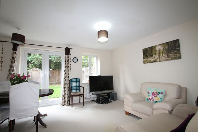 Thumbnail Terraced house to rent in Wayside, Winnersh, Wokingham