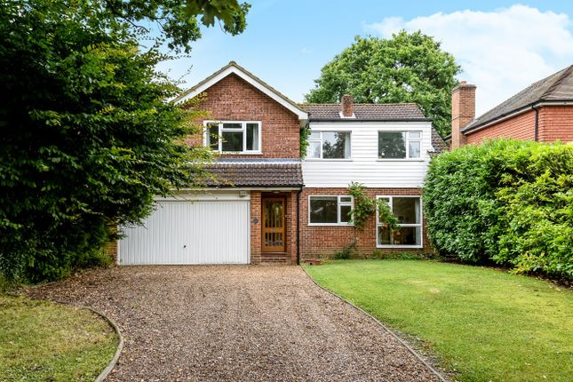 5 bed detached house to rent in The Glade, Fetcham, Leatherhead