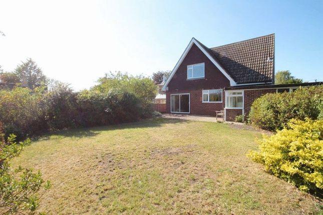 Thumbnail Detached house for sale in Furlong Lane, Totternhoe, Bedfordshire