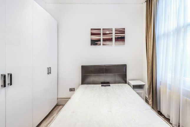 Bedroom of Greencroft Gardens, South Hampstead NW6