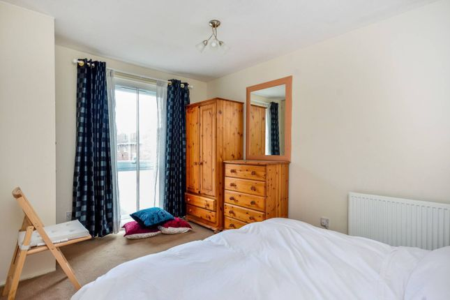 Thumbnail Flat to rent in Ravensmede Way, Chiswick, London