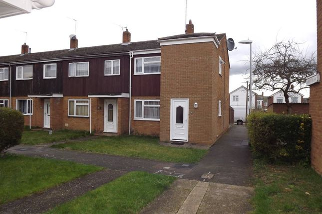 Thumbnail Property to rent in Jerounds, Harlow, Essex