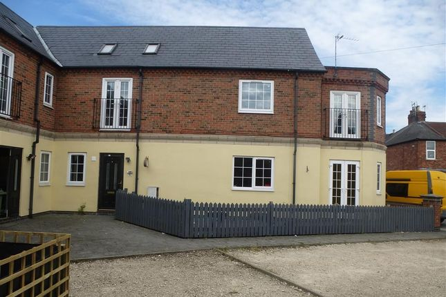 Thumbnail Semi-detached house to rent in Hareholme Street, Mansfield